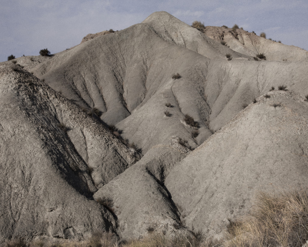 A mountain in the desert of Tabernas. ### Una montagna del deserto di Tabernas.