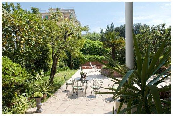 Il giardino di Villino Manina