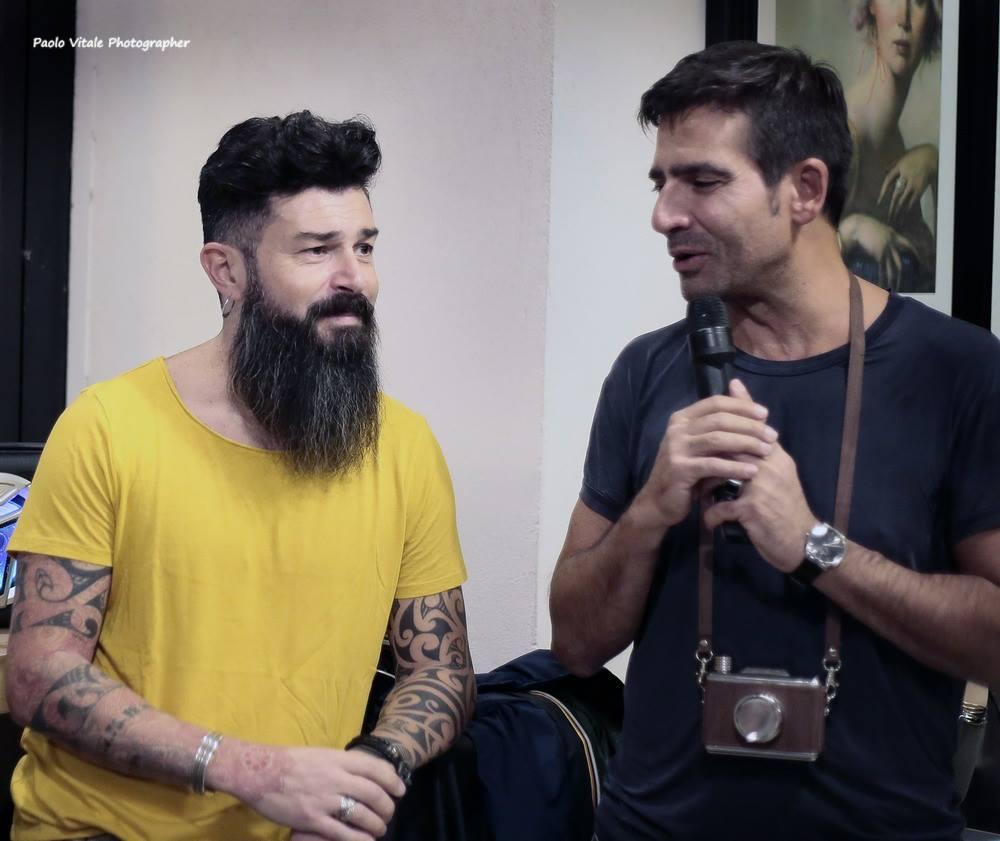 il fotografo Matteo Anatrella con Michele Del Vecchio di Spazio Tangram