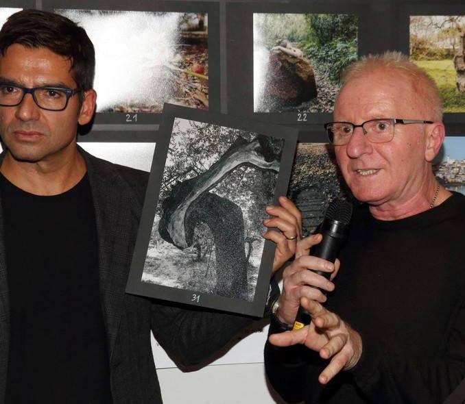Michele Del Vecchio di Spazio Tangram con il fotografo Mario Laporta