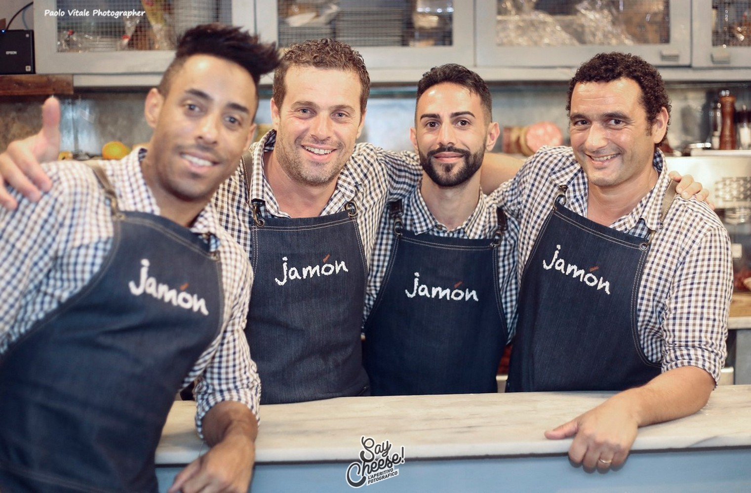 "il team del wine&tapas bar ""Jamon"""